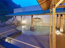 大露天風呂『翆明の湯』の大湯