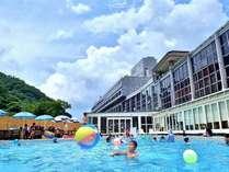*夏*夏休み限定!奥道後の冷泉を使用した全国でも珍しいプールで大人気!