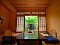 空の間/専用庭付のゆったりとした造り。ご夕食は[お部屋食]にてご用意致します