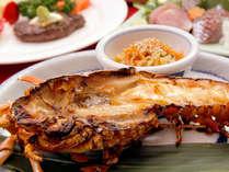 *伊勢海老です。料理方法は鬼がら焼きで、伊勢海老の持っている味を引き出しています。