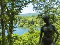 彫刻公園を抜けると蓼科湖が広がります。蓼科高原でゆっくりとした時間をお過ごし下さい。