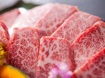 【夕食】 最高級豊後牛をはじめ素材の旨みと大地の恵みを生かした創作料理の数々を食す、至福のひととき。