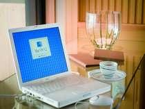お部屋でお仕事をされる方に◎露天付き客室は高速LAN接続OK!(ケーブル貸出あり、パソコン要持参)