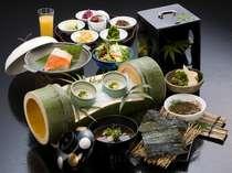 しじみ汁、板わかめなど、島根の名物が多数登場する朝食