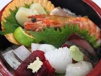 黒潮踊る!南国土佐のその日仕入の新鮮魚介の日替わりの【黒潮ちらし寿司】ご夕食イメージ