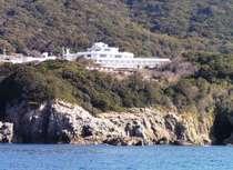 洋上からのホテル外観