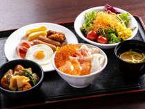 朝食ブッフェは、和食から洋食まで充実の内容が嬉しい(一例)