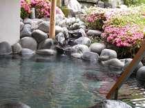 春の露天風呂(女性用)