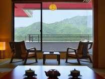 ■本館客室「一般客室和室」(10畳+6畳)眺望一例