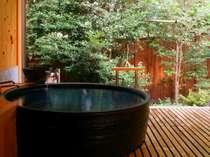 畳のお休み処がついた貸切温泉でまったりお寛ぎください(黒陶器の湯「一休」)