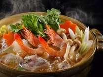 冬は皆さまで大鍋を囲んでぽかぽかに~!楽しくお食事をお楽しみください!
