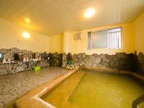 2つの源泉がこんこんとあふれ、当然かけ流しの女湯。入って頂ければ質の高さ分かって頂けます。