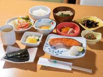 *スタンダード朝食・和食一例。品数が多くなります。