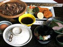 *お夕食(たちばな御膳)ボリューム満点!大満足の和食中心メニューをお楽しみください。
