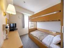 2段ベッドルーム※広さ:12㎡ ベッドサイズ:103㎝×195㎝