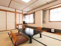 *【和室10~12.5畳】客室一例/畳で足をゆったり伸ばしてお寛ぎ下さい。