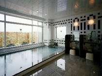 写真は男子大浴場。営業時間15:00~翌9:00と夜通し御利用いただけます。