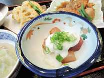 *[夕食一例]近港で水揚げされた新鮮なお刺身
