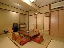 和室10畳(風呂付)タイプ:グループやファミリー旅行にピッタリ!