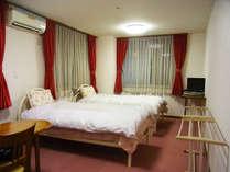 *【部屋】ツインルーム。一人旅、カップルやグループなどにおススメ!