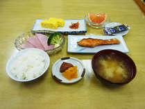 *【朝食全体例】美味しい朝ごはんをしっかり食べて、栄養補給!