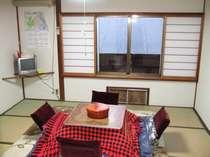 こちらの部屋は和室8畳です ちなみにお食事はそれぞれのお部屋にお持ちします