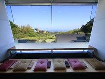 相模湾を一望できる足湯カフェ ※イメージ