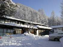 雪のけやき山荘