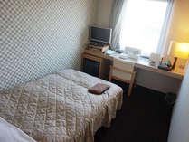 シングル:全室セミダブルベッド使用