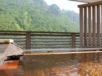 【天空露天 朝陽山】層雲峡の山並みを一望しながら入浴できます