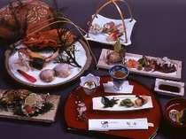 夕食の会席膳(料理一例)