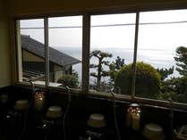 *お風呂の窓からの景色。美しい奥浜名湖を眺めながらご入浴下さい。