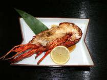 *夕食一例/伊勢海老を素材を活かした調理法でご提供します。