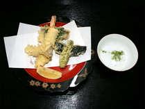 *夕食一例/抹茶塩でいただく天ぷら