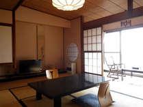 *和室一例/浜名湖からの日差しが温かく注ぐお部屋です。