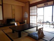 *和室一例/8畳以上の落ち着いたお部屋です。