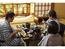 【全室お部屋でお食事】桜二(川側)