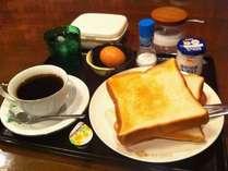 おかあさんの手作り洋朝食♪朝ごはんはチェックインの際に和食か洋食をお選びください。