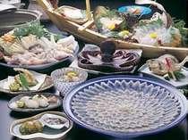 【お料理・冬】スタンダードなふぐコース料理例です。(4名盛)一例