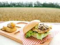 畑で食べる軽食は最高!