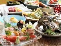 夏料理(例)。写真は標準コース。岩ガキ、ヒレステーキ、地魚の煮付け・・・