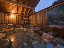 温泉の湯量は雲見温泉の民宿では『最大!』