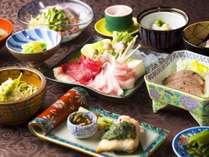 【季節替わりの料理】料理は季節によって山菜や地野菜など米沢の味覚が散りばめられています