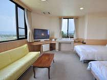 【客室・新館昇龍「特別室」】広々とした客室、目の前には阿蘇五岳を望みます,熊本県,阿蘇の司ビラパークホテル&スパリゾート