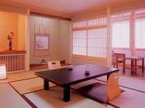 落ち着いた風情の客室