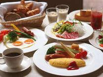 Crowne Cafe 朝食☆(メニューは約100種類の和洋ブッフェです)