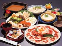 落語のネタで池田のしし買いでも有名な当館名物「ぼたん鍋」