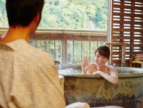 露天風呂付き客室なのでいつでも自由になんどでもお風呂が楽しめます。