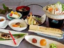 地魚・きのこに鍋、そして自家製のお米や野沢菜が自慢です(季節等より内容の変更がございます)