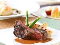 牛フィレ肉のグリル 西洋山葵のソース